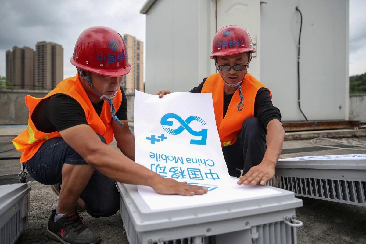 Trung Quốc sắp hoàn thành việc xây dựng 500.000 trạm gốc 5G. Ảnh: Reuters.
