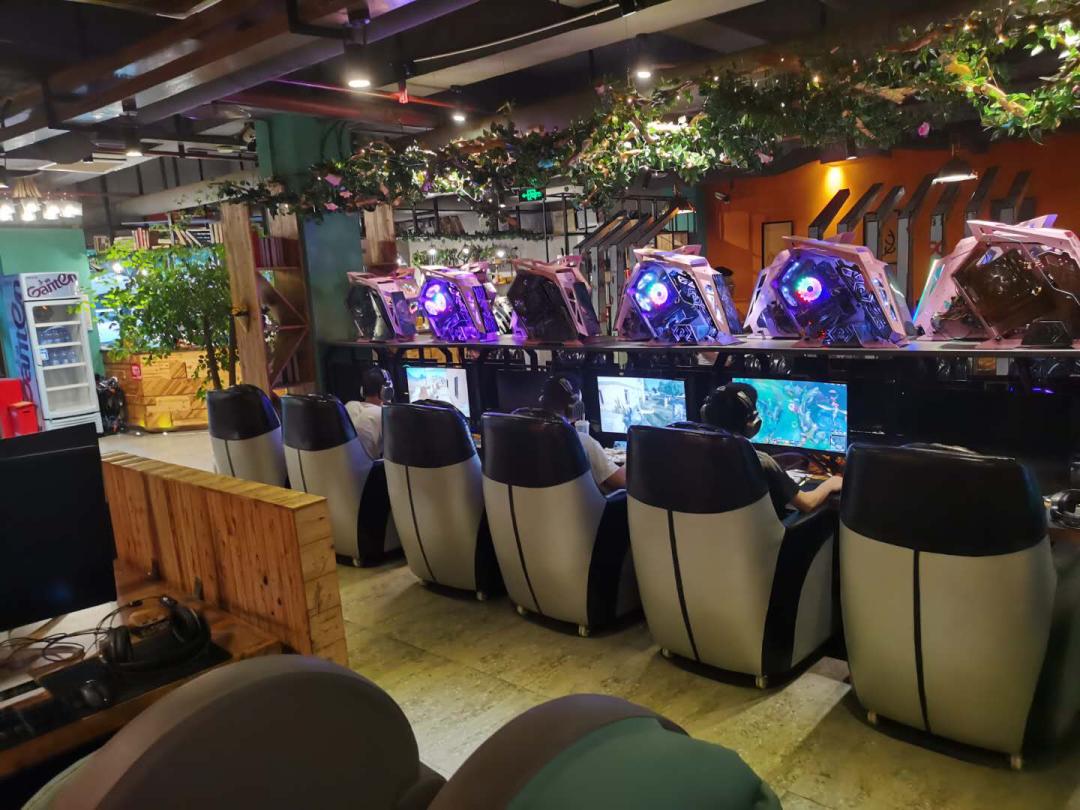 Quán game mà Bao Shi hay lui tới đã tăng giá ít nhất 1-3 nhân dân tệ sau khi mở cửa lại.
