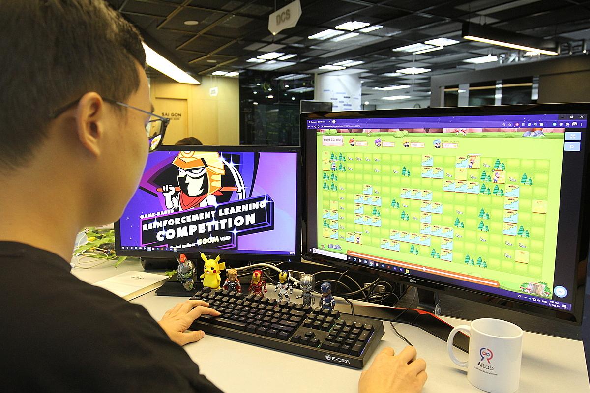 Đấu trường AI- Reinforcement Learning là cuộc thi mô phòng game dùng thuật toán về AI.