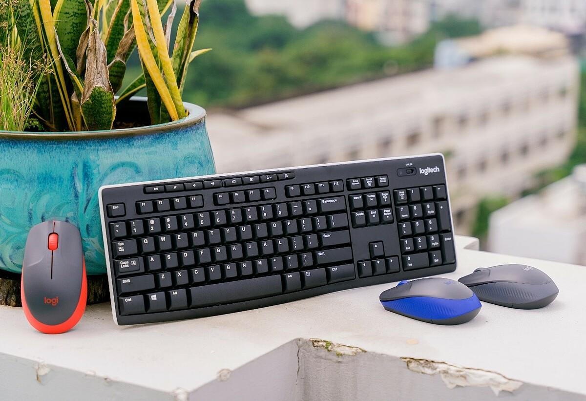 Logitech K270 là dòng bàn phím không dây với 8 phím nóng tiện dụng.