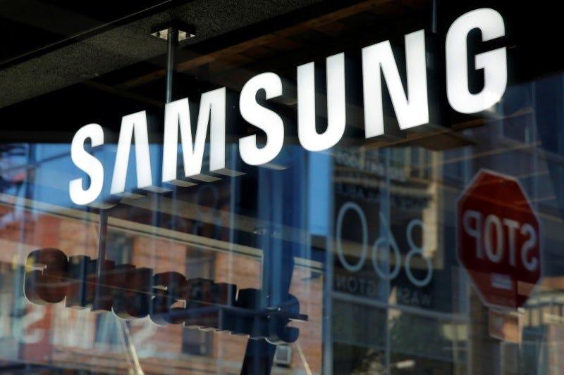 Samsung đã giành lại vị trí dẫn đầu thị trường smartphone sau nhiều tháng bị Huawei nắm giữ. Ảnh: Reuters.