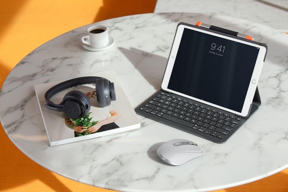 Như tên gọi, MX Anywhere 2S có thể làm việc ở bất cứ đâu. Ảnh: Logitech.