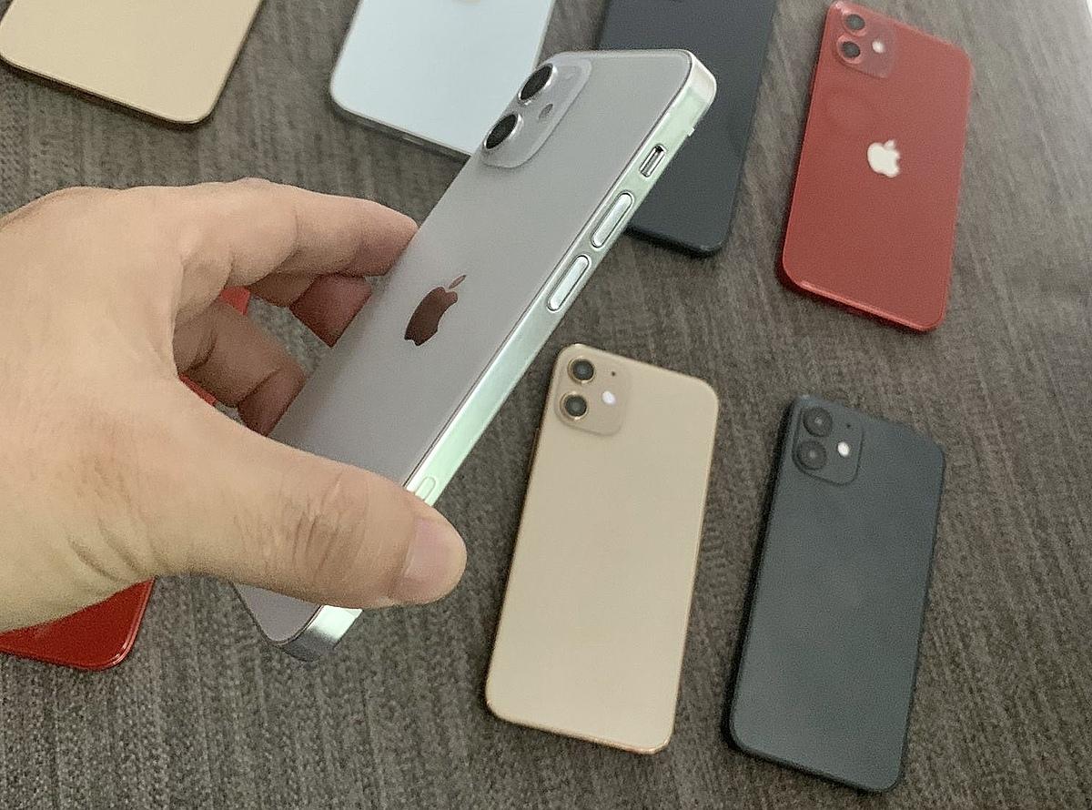 Mô hình iPhone 12 mini, iPhone 12, 12 Pro và Pro Max xuất hiện ở Việt Nam.