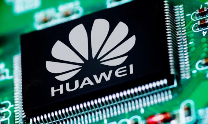 Huawei đã tích trữ một lượng lớn chip từ các đối tác, trong đó có Samsung, trong quý III. Ảnh: GizChina.