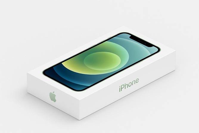 Hộp đựng iPhone 12 mỏng đi nhiều do không có cục sạc, tai nghe đi kèm.
