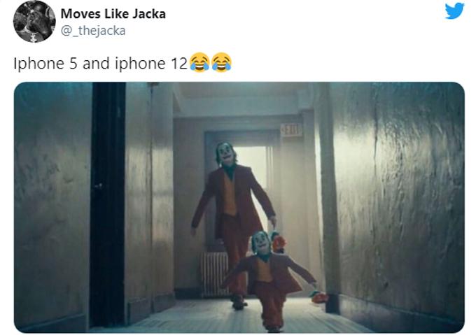 Hai anh em iPhone 5 và iPhone 12 cách nhau 8 tuổi.