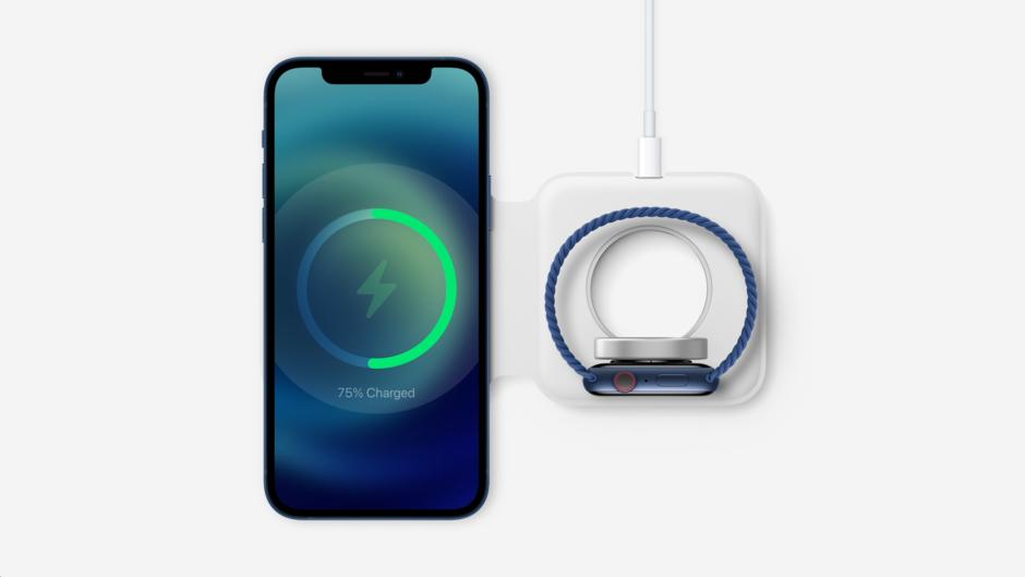 Sạc MacSafe Duo có thể sử dụng để sạc đồng thời iPhone và Apple Watch.