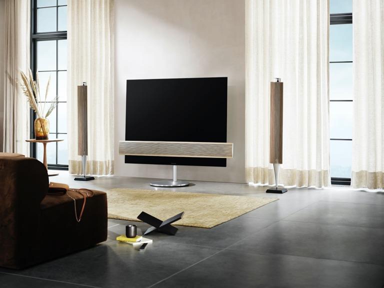 Với kết nối không dây, Beolab 18 thuận tiện cho việc kết nối với smartTV hoặc các hệ thống loa khác của Bang & Olufsen để tạo nên trải nghiệm âm thanh đa dạng cho nhiều nhu cầu giải trí khác nhau.