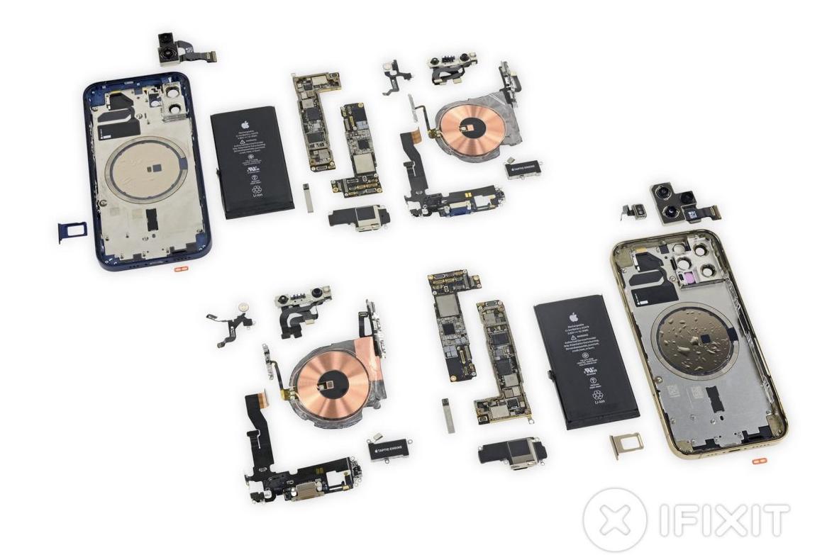 Toàn bộ linh kiện iPhone 12 (phía trên) và 12 Pro (phía dưới). Ảnh: iFixit.