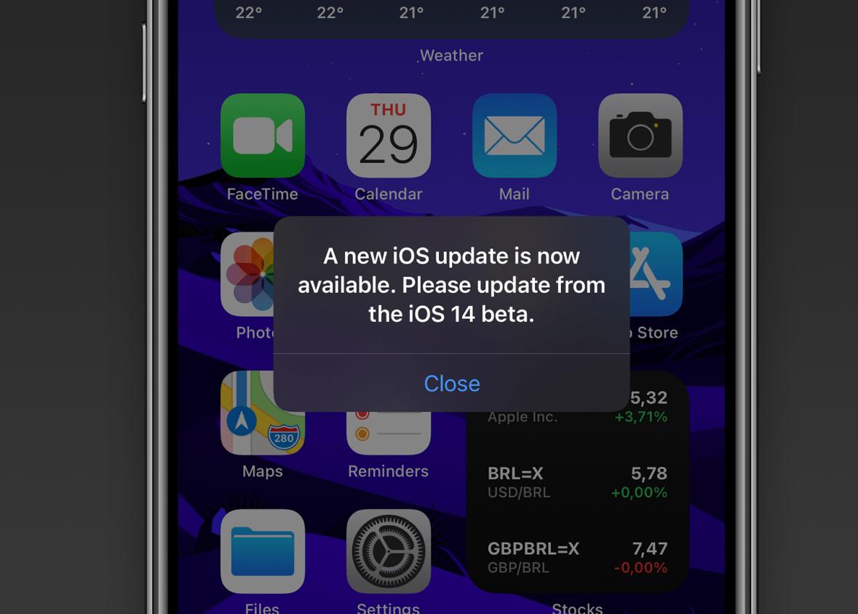 iPhone chạy iOS 14 beta hiển thị thông báo cập nhật giả. Ảnh: 9to5mac.