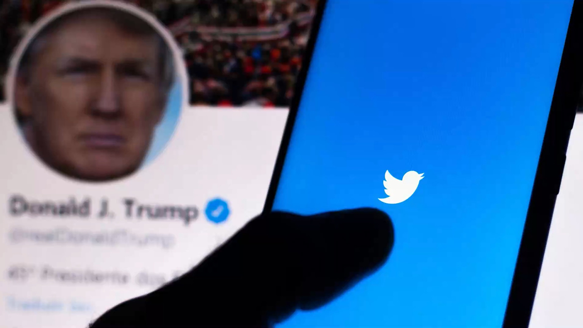 Tài khoản Twitter của Trump sẽ không hưởng các đặc quyền như hiện tại nếu ông không tái đắc cử Tổng thống Mỹ. Ảnh: KTVU.