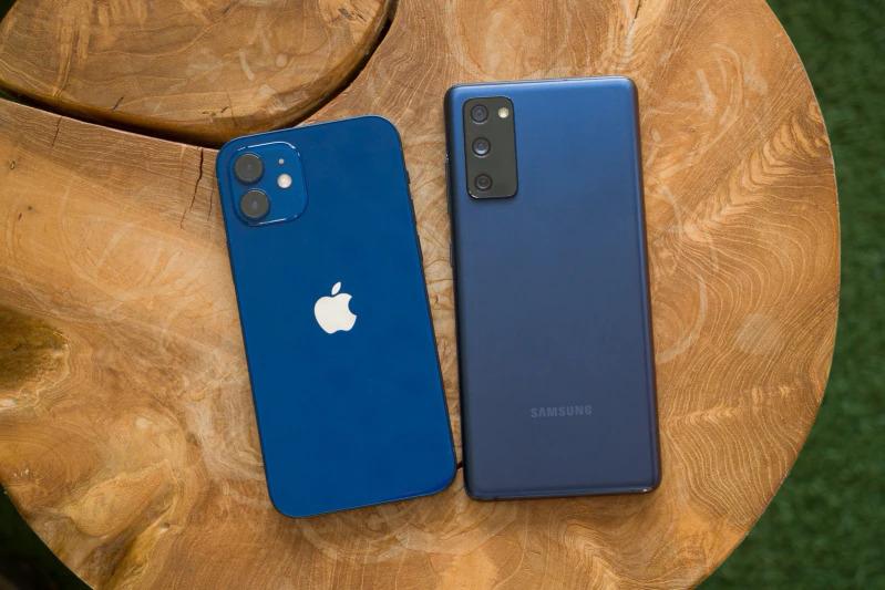Apple xuống vị trí thứ hai tại thị trường smartphone Mỹ sau nhiều năm dẫn đầu. Ảnh: Phonearena.
