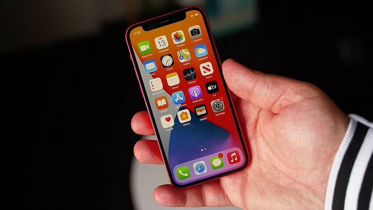 iPhone 12 mini đang bị nhiều người dùng báo cáo về lỗi màn hình khi khóa.