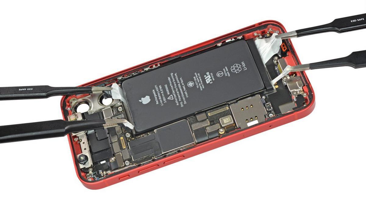 Linh kiện bên trong iPhone 12 mini. Ảnh: iFixit.