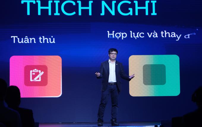 Ông Nguyễn Văn Khoa, CEO FPT: Hợp lực thông minh giữa người và máy sẽ tạo giá trị đột phá.