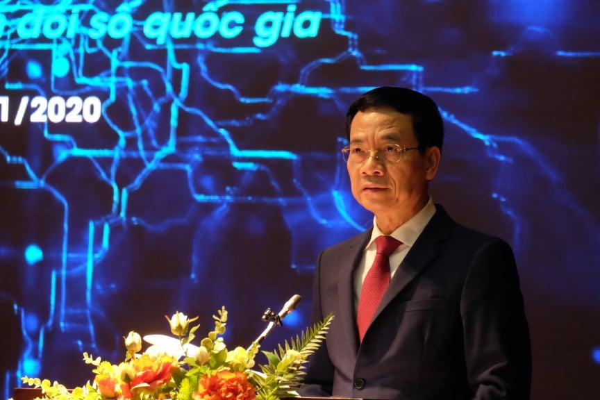 Bộ trưởng Thông tin và Truyền thông Nguyễn Mạnh Hùng tại Diễn đàn Công nghệ mở, hôm 18/11. Ảnh: Lưu Quý