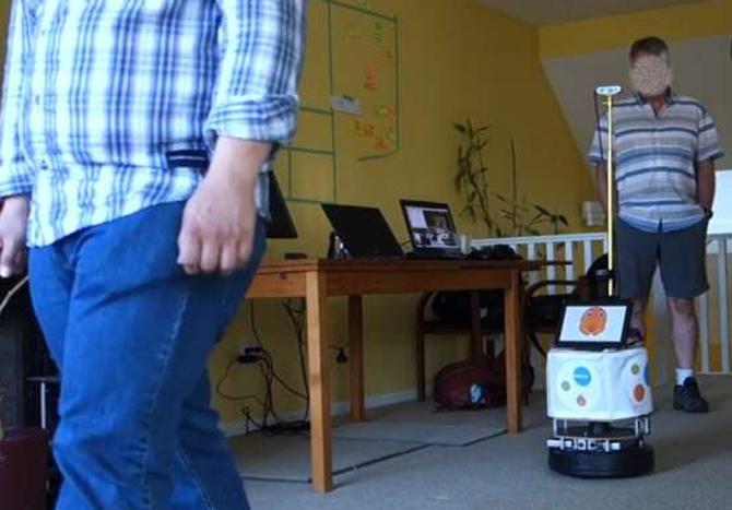 Robot Aether có khả năng xác định và bám theo người dùng. Ảnh: Techxplore.