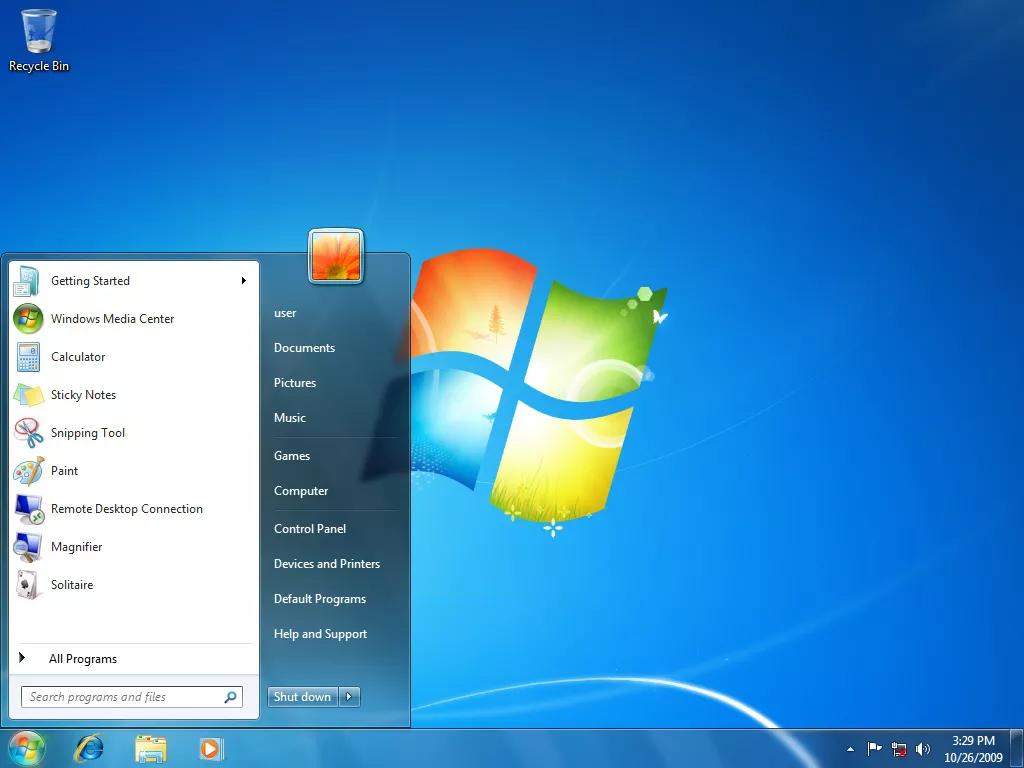 Năm 2009, Microsoft giới thiệu Windows 7 thay thế cho Windows Vista. Với hiệu suất cũng như giao diện người dùng được tối ưu hóa, phiên bản này thành công vang dội và là một trong những bản Windows phổ biến nhất.