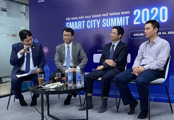 Ông Trương Gia Bình và các diễn giả tham dự Smart City Summit 2020.