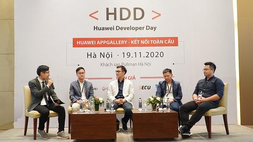 Đại diện của Huawei và các nhà phát triển ứng dụng hàng đầu Việt Nam tại sự kiện. Ảnh: Huawei