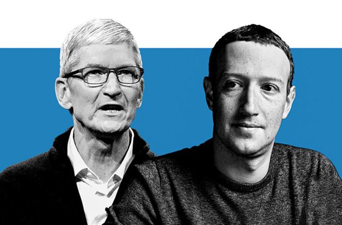CEO Apple Tim Cook (bên trái) và CEO Facebook Mark Zuckerberg (bên phải).