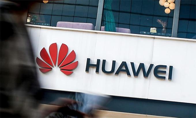 Thị phần của Huawei trên thị trường smartphone toàn cầu có thể giảm về mức 4% trong 2021. Ảnh: AP.