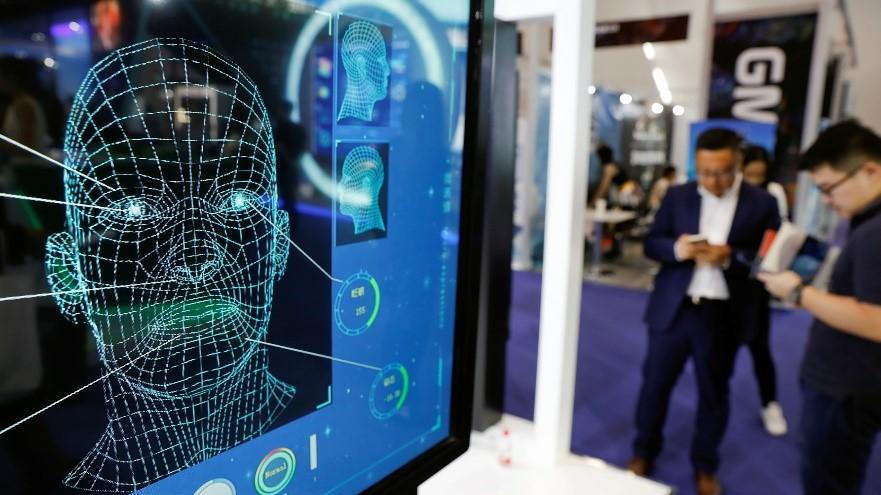 Hàng lang pháp lý chặt chẽ là cực kỳ cần thiết trong việc quản lý sử dụng công nghệ nhận dạng khuôn mặt. Ảnh: Reuters.