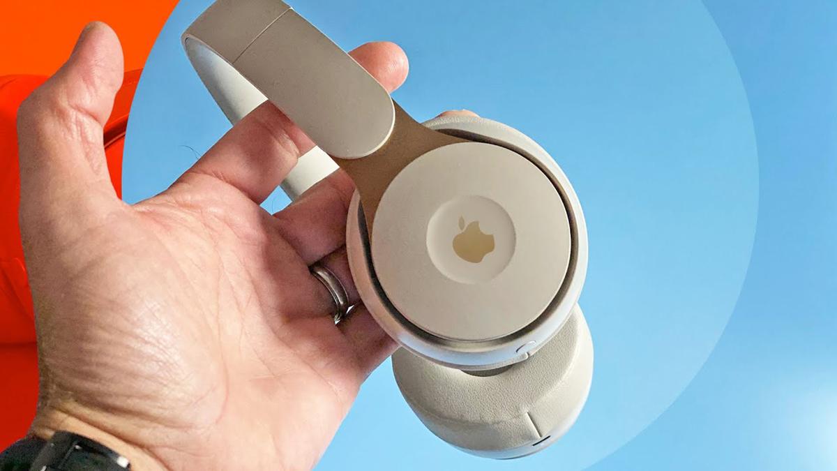 Apple có thể ra tai nghe over-ear mới vào tuần sau. Ảnh: Cnet.