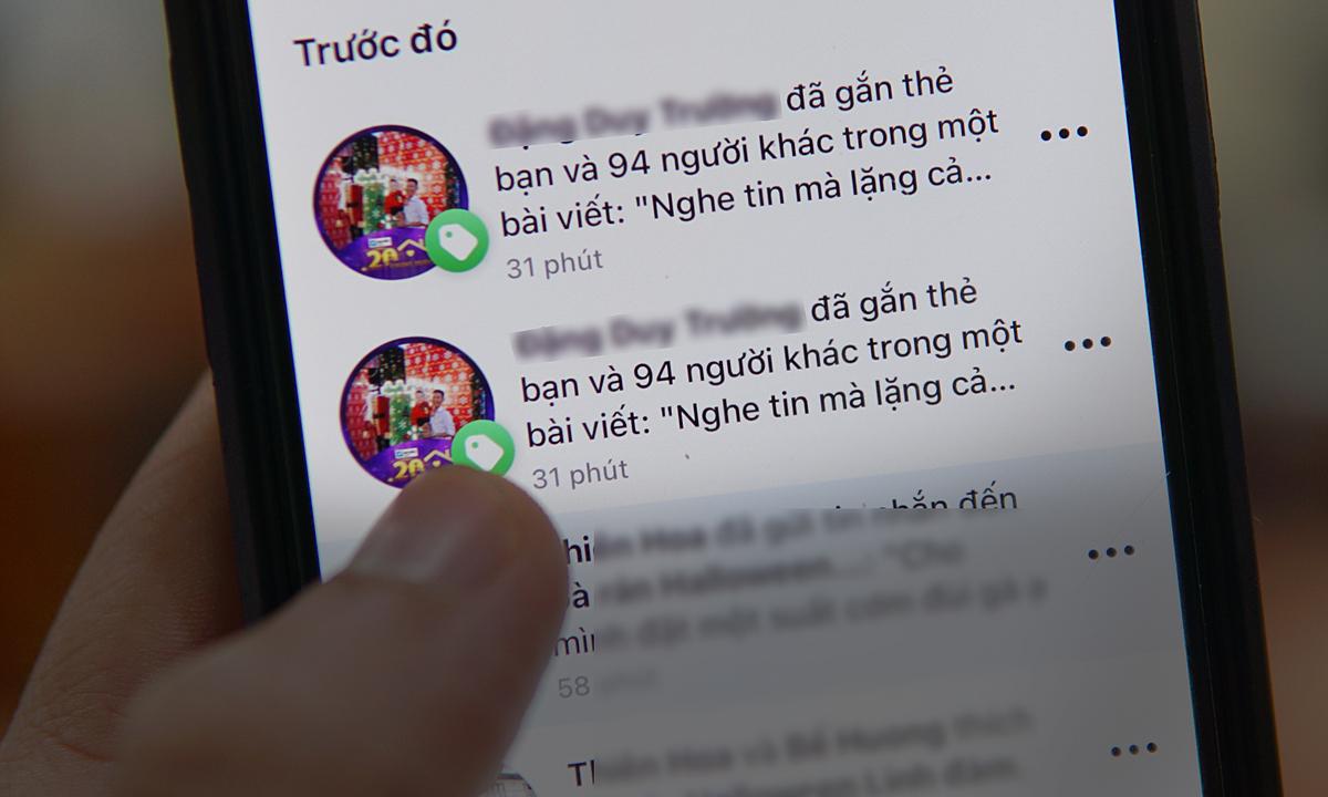 Người dùng Facebook tại Việt Nam liên tục nhận được các bài đăng gắn thẻ mình. Ảnh: Lưu Quý