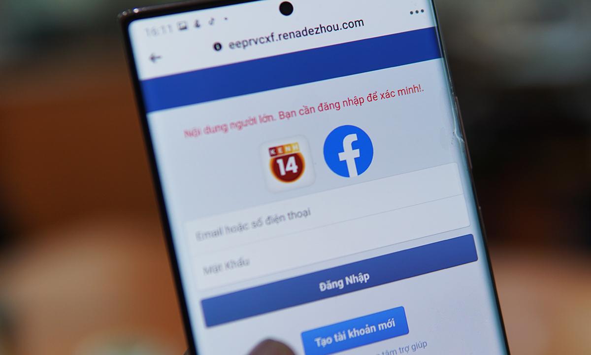 Người dùng được dụ đăng nhập Facebook để đọc nội dung người lớn. Ảnh: Lưu Quý