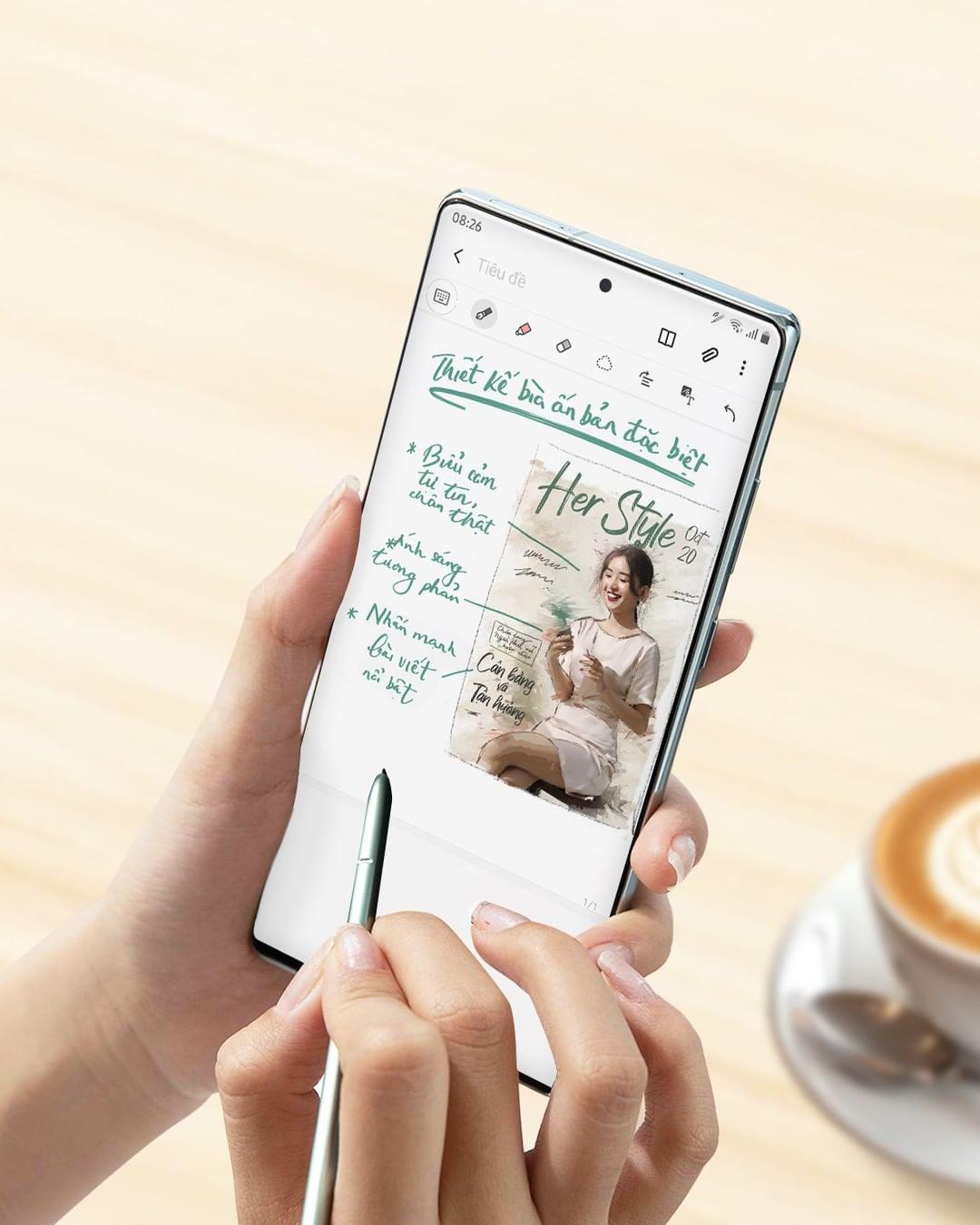 Trải nghiệm nét bút S Pen trên Galaxy Note20 tự nhiên, mượt mà và chính xác trên màn hình vô cực Infinity-O cùng tần số quét 120Hz siêu nhanh. Ảnh: Samsung