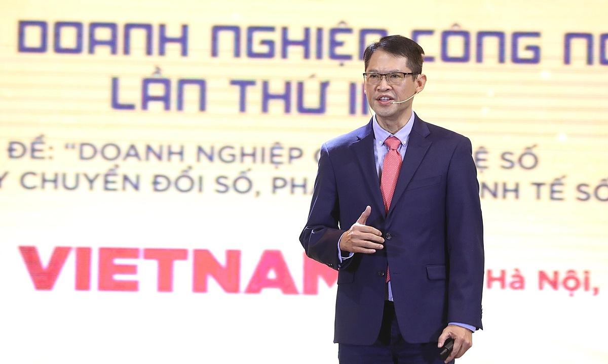 Ông Trương Quốc Hùng, Tổng giám đốc VinBrain chia sẻ tại Diễn đàn doanh nghiệp công nghệ số 2020. Ảnh: Ngọc Thành