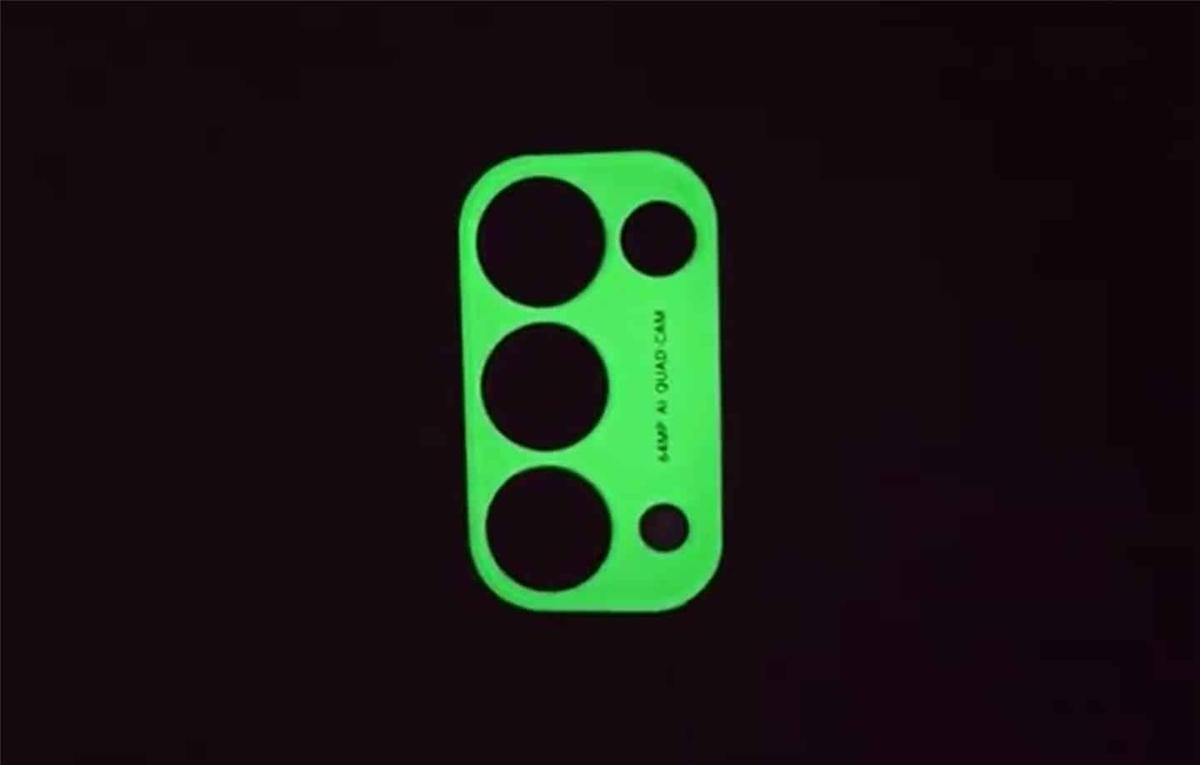 Cụm camera của Reno 5 có thể phát sáng vào ban đêm.