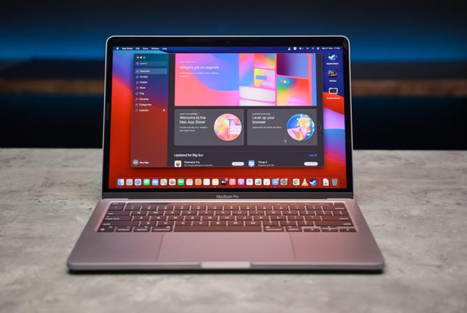 MacBook Pro dùng chip M1 có ngoại hình không khác biệt nhiều so với phiên bản trước. Ảnh: Trần Phong