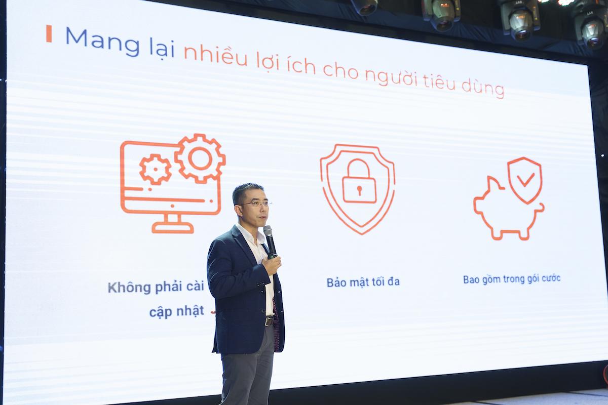 Ông Hoàng Việt Anh, Phó tổng giám đốc FPT tại lễ ra mắt F-Safe.