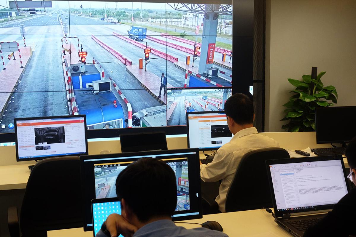 Trung tâm giám sát điều hành VDTC ePass đang trong quá trình chạy thử nghiệm. Ảnh: Lưu Quý