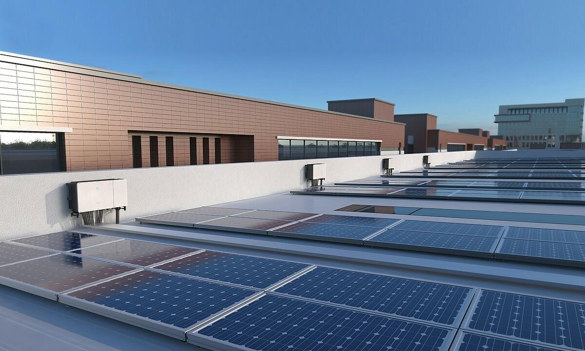 Giải pháp điện mặt trời áp mái của Sungrow phù hợp các hộ gia đình, doanh nghiệp thuộc đa dạng quy mô, lĩnh vực. Ảnh: Sungrow Việt Nam.
