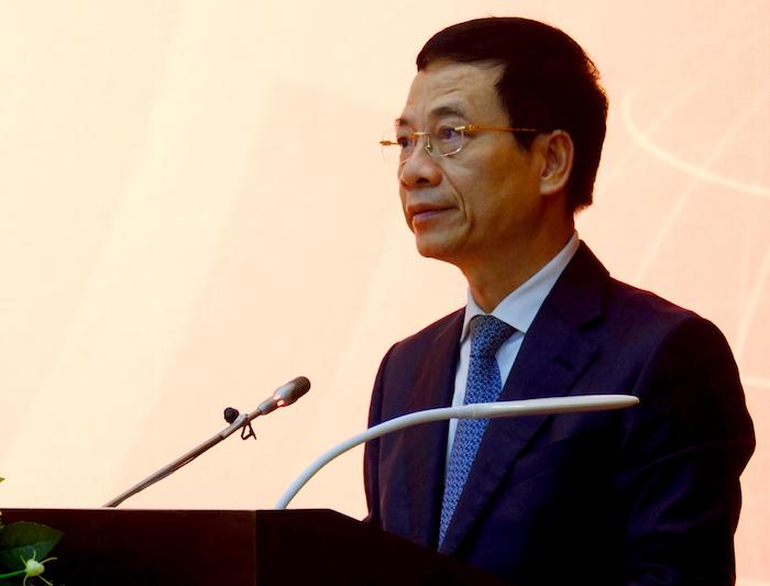 Bộ trưởng Thông tin và Truyền thông chia sẻ trong lễ phát động giải thưởng Sản phẩm Công nghệ số Make in Vietnam. Ảnh: Mạnh Hưng