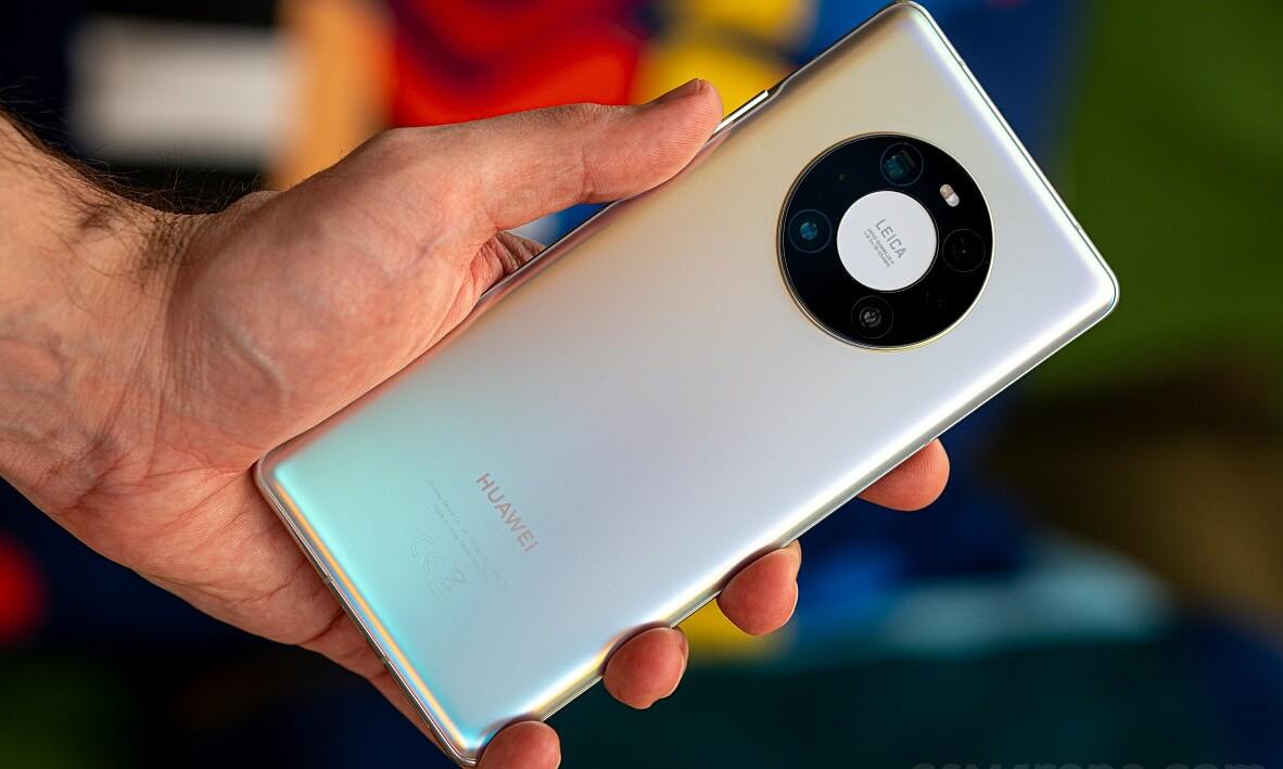 Số lượng Huawei Mate 40 Pro+ xuất xưởng hạn chế, do nguồn cung chip Kirin thiếu hụt. Ảnh: Gsmarena.
