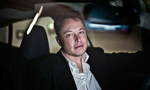 Elon Musk ngày càng giống Steve Jobs