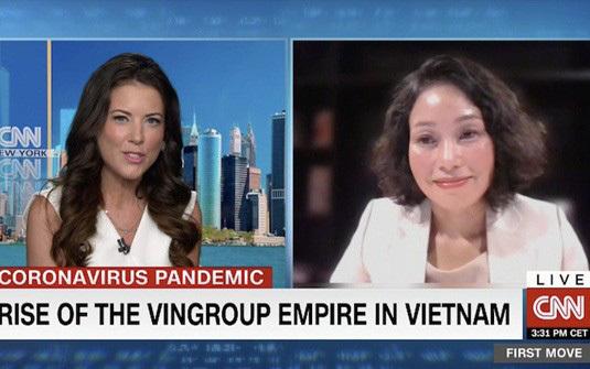 Bà Lê Thị Thu Thuỷ - Phó Chủ tịch Vingroup (bên phải) trò chuyện cùng nhà báo Julia Chatterley trong chương trình First Move của CNN.