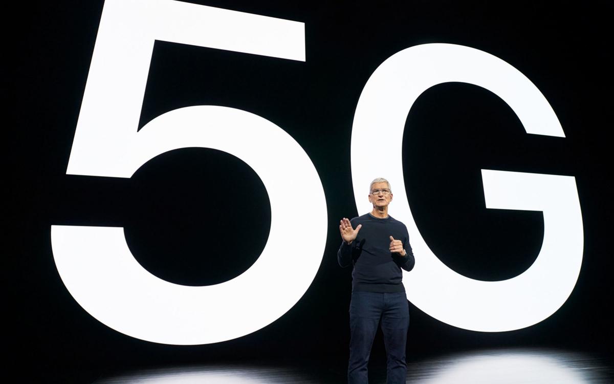 Tim Cook nói về 5G trên iPhone 12 hồi tháng 10. Ảnh: PA.