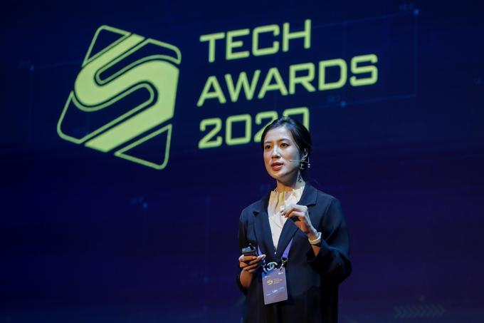 Bà Nguyễn Huyền My, đại diện Samsung Vina chia sẻ về sức mạnh của Ai trong kỷ nguyên mới tại Diễn đàn công nghệ VnExpress, sáng ngày 8/1.