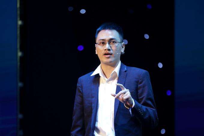 Ông Quân Trần chia sẻ tại sự kiện về AI của VnExpress, sáng 8/1.