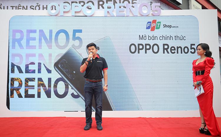 Ông Ngô Quốc Bảo, Giám đốc Trung tâm phát triển kinh doanh và thương mại điện tử FPT Shop nói trong sự kiện mở bán OPPO Reno5.