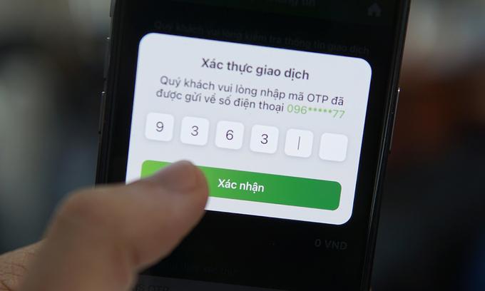 Bảo mật hai lớp vẫn có thể mất tài khoản nếu bị cài phần mềm gián điệp trên điện thoại. Ảnh: Lưu Quý