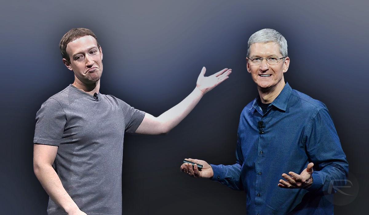 Zuckerberg (trái) và Cook (phải) bắt đầu công khai chỉ trích nhau từ 2014. Ảnh: Medium.