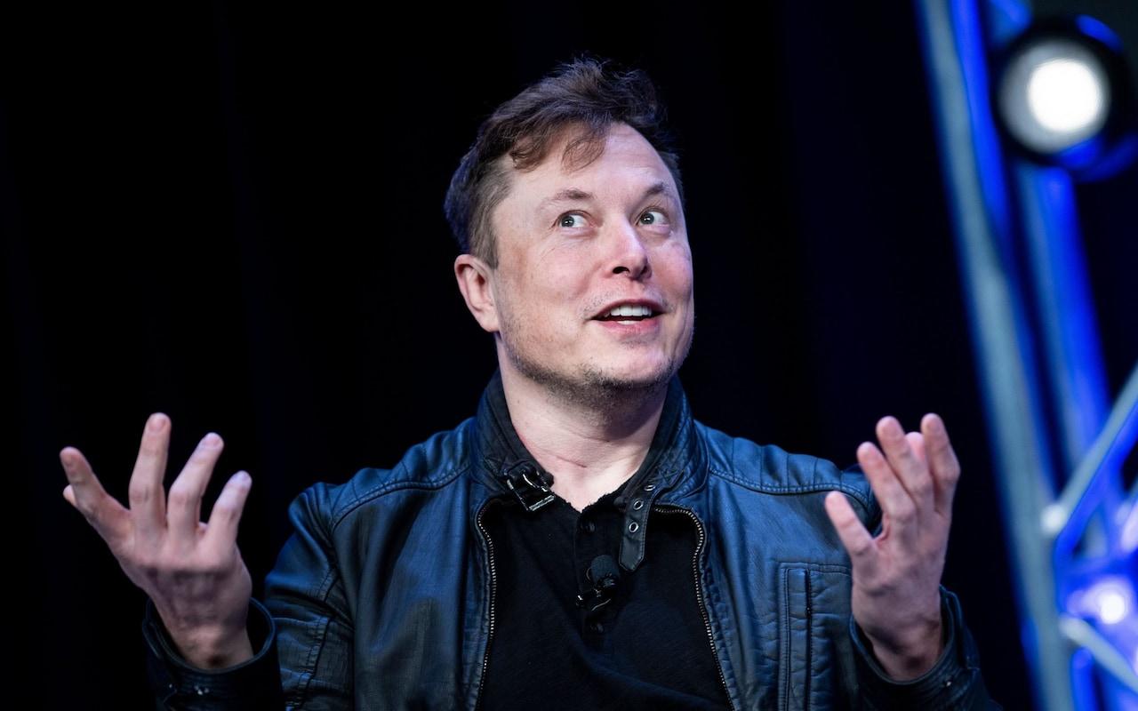 Elon Musk tại sự kiện ra mắt Neuralink vào năm 2017. Ảnh: AFP.