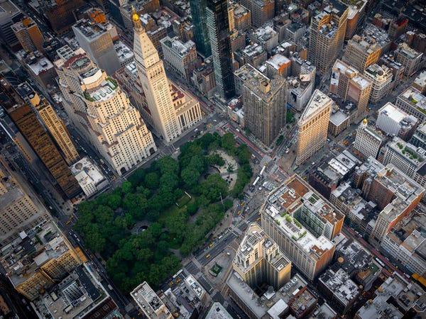 Jeff Bezos có nhiều căn hộ cao cấp tại khu đắt đỏ nhất New York. Ảnh: Forbes.