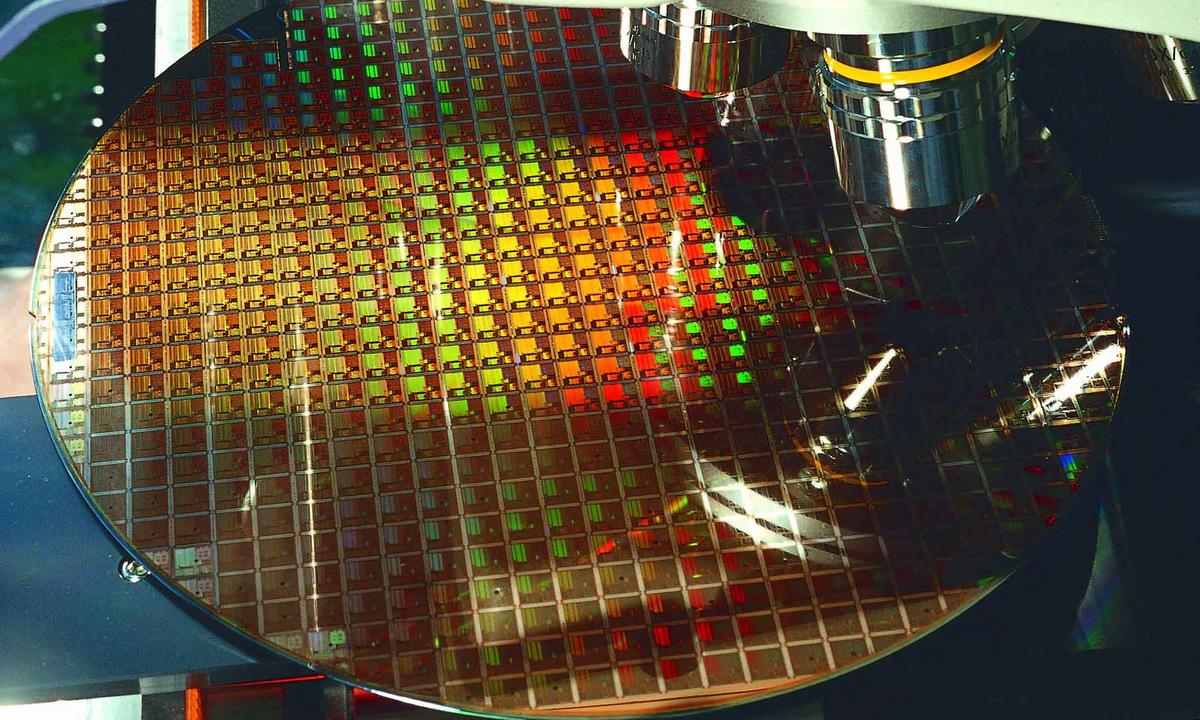 Chip bán dẫn trong dây chuyền sản xuất của TSMC. Ảnh: TSMC.